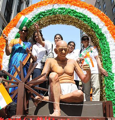 A float depicting the Mahatma