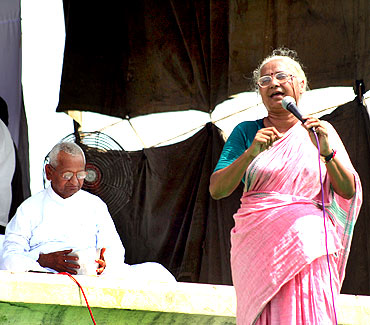 Social activist Medha Patkar at Ramlila Maidan in support of Anna Hazare's  movement on anti-corruption