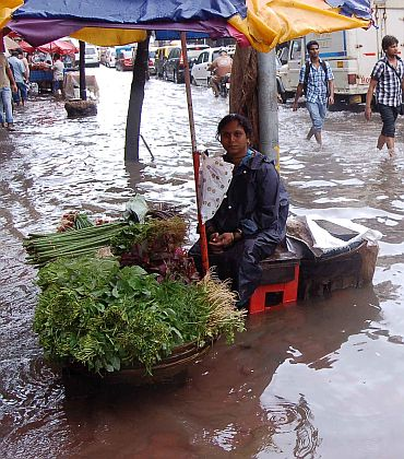 Mumbai rain: Citizens' woes in PHOTOS