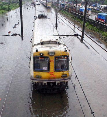 Incessant rain cripples Mumbai