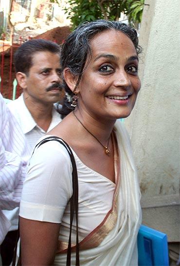 RSS, NGOs, media ran Hazare movement: Arundhati Roy - Rediff.com News
