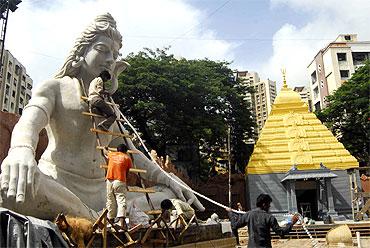 The replica of Mallikarjun Jyotirling at Ganesh Galli