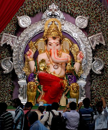 Ganpati idol at the Gaud Saraswat Brahmin Mandal