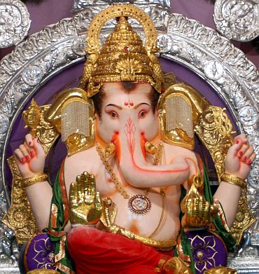 68 kg gold, 435 kg silver on this Lord Ganesha idol