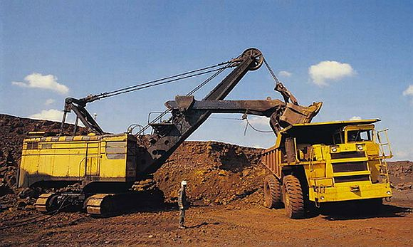 Mining scam spotlight now turns to Karnataka's 3 ex-CMs