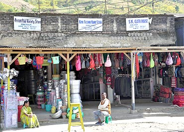 Shop signs at Kanglatombi in the Sadar Hills area of Senapati district already have Sadar Hills District written on them, though the government is yet to accord district status