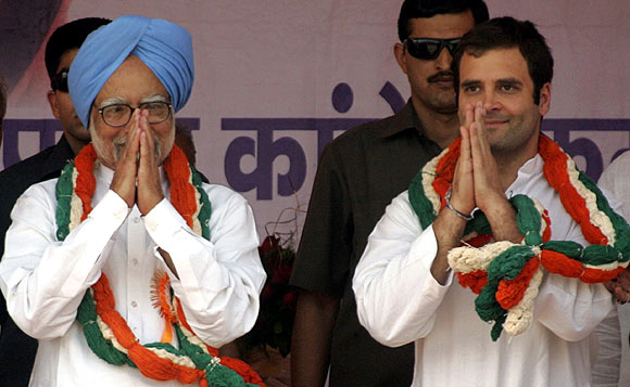 Prime Minister Manmohan Singh and Congress General Secretary Rahul Gandhi at a public meeting in the Bundelkhand region of UP