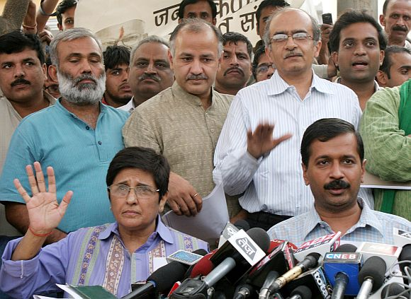 What credibility does Lokpal parliamentary panel have: Team Anna