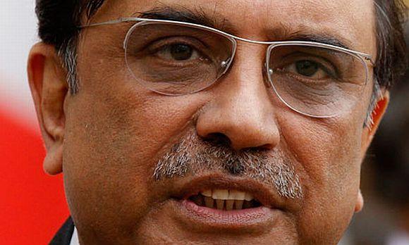 Zardari had stroke, facial paralysis