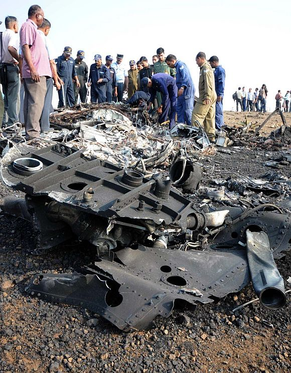 The mangled remains of the Sukhoi-30 which crashed near Pune on Tuesday