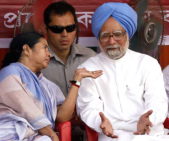 Prime Minister Manmohan Singh with Trinamool Congress chief Mamata Banerjee