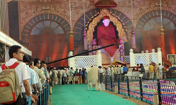 A replica of the Sai Baba temple has been recreated in Mumbai for a four-day Shri Sai Satcharitra Mahaparayan festival which began on Thursday