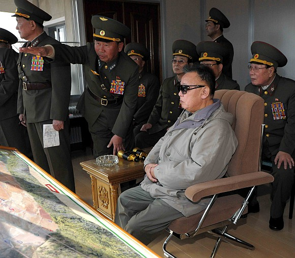 Kim Jong-il visits the Large Combined Unit 567 of the Korean People's Army to watch a combined exercise staged on the occasion of