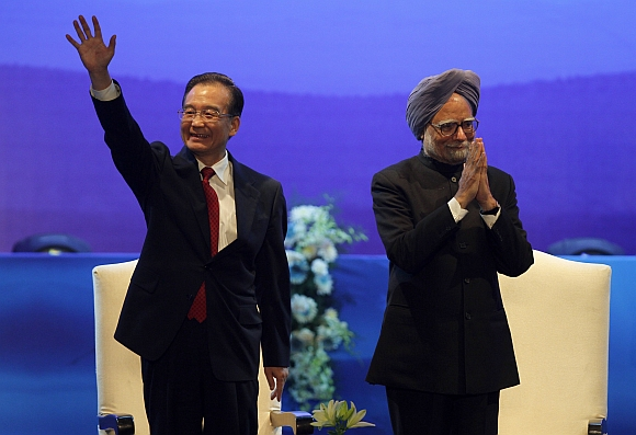 Chinese Premier Wen Jiaboa with Dr Singh