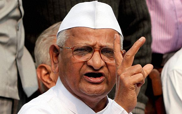 Government's weak Lokpal Bill will 'save' the corrupt: Anna