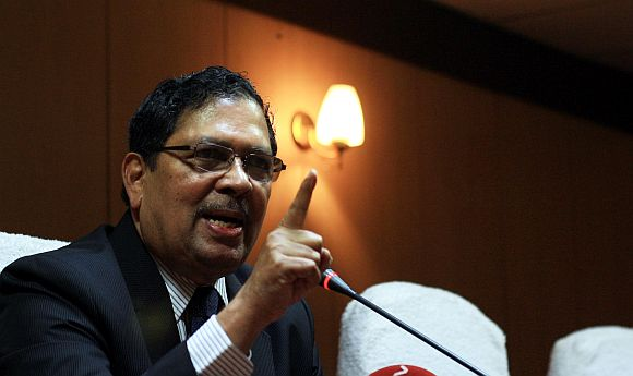 Justice Santosh Hegde's take on Govt's Lokpal Bill