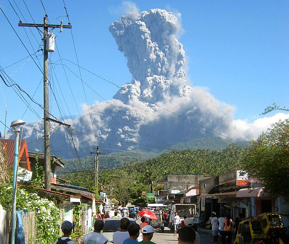 Stunning PHOTOS of volcanos in 2011