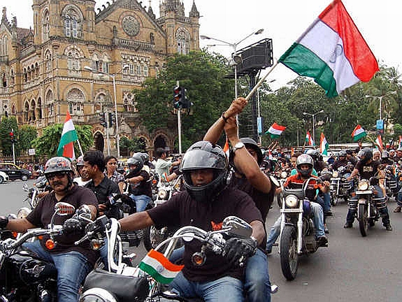 A bike rally in support of Hazare at CST, Mumbai