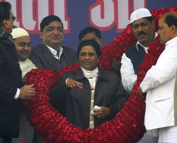 Mayawati greeted by BSP leaders in Lucknow