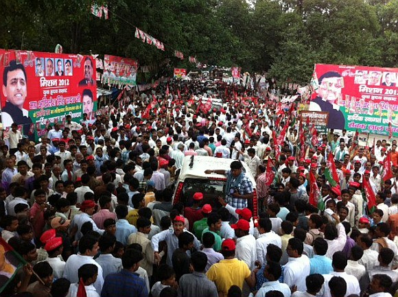Samajwadi Party supporters at a rally in Malihabad, UP