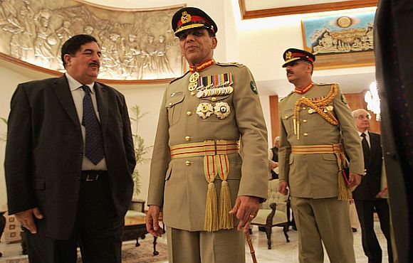 Pakistan to sack army chief Kayani, ISI boss Pasha?