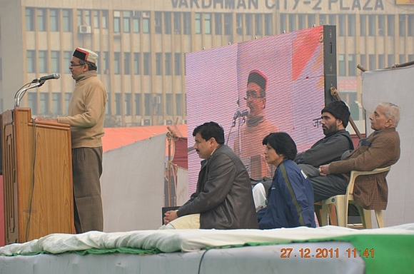 Prashan Bhushan speaks at the rally in New Delhi
