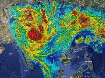A graphical interpretation of the scale of cyclone Yasi if it were to hit India