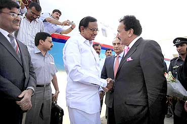 Home Minister P Chidambaram with his Pakistani counterpart Rehman Malik