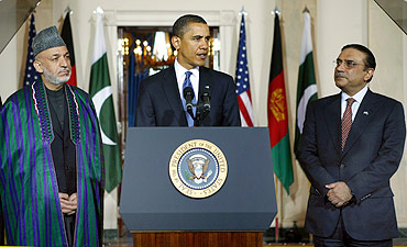 US President Barack Obama with Afghan President Hamid Karzai and Pakistan President Asif Ali Zardari