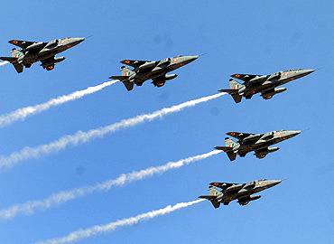 Jaguars perform during Aero India 2011