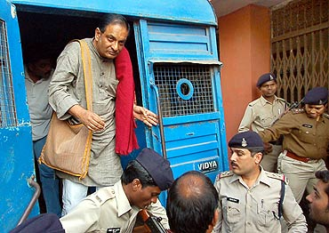 Dr Binayak Sen is brought to a court in Raipur