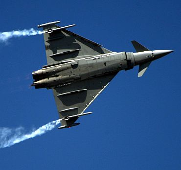 In PHOTOS: Moments from Aero-India 2011