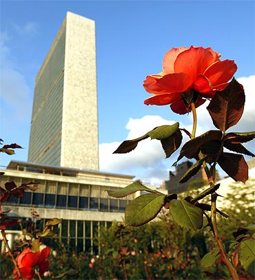 The United Nations secretariat building in New York