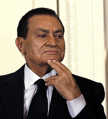 India News - Latest World & Political News - Current News Headlines in India - Former Egyptian prez Hosni Mubarak freed after 6 years