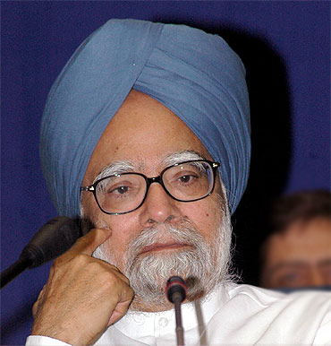 Should PM be within Lokpal's purview?
