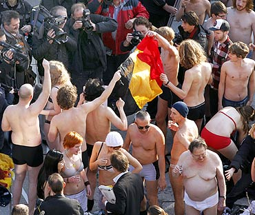 The mass striptease in Ghent