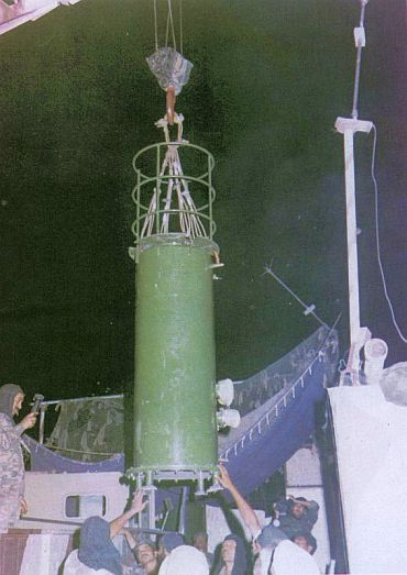 Shakti-I, a thermonuclear test device, being lowered into its site. It was tested in May 1998