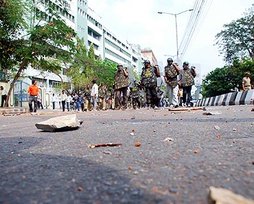 Students indulged in heavy stone pelting when they were prevented from marching towards the assembly