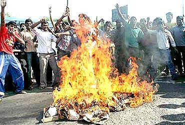 Pro-Telangana protestors agitate in Hyderabad