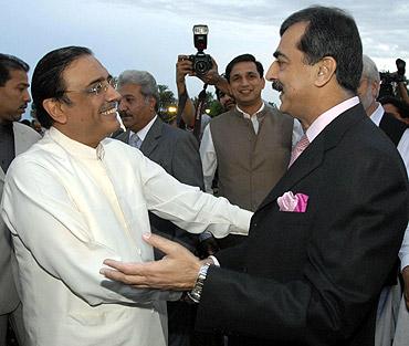 Pakistan President Asif Ali Zardari with Prime Minister Yousaf Raza Gilani