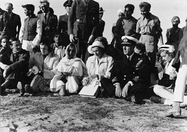 Louis and Edwina Mountbatten at Mahatma Gandhi's funeral