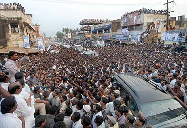 Thousands gather at Jagan Mohan Reddy's rally
