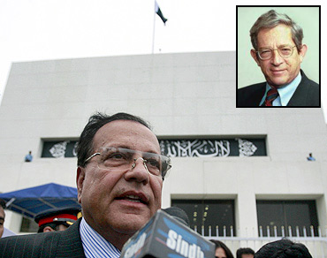 Punjab Governor Salmaan Taseer was killed by his bodyguard. Inset: Stephen P Cohen