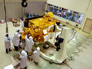 Resourcesat-2, the advanced remote sensing satellite
