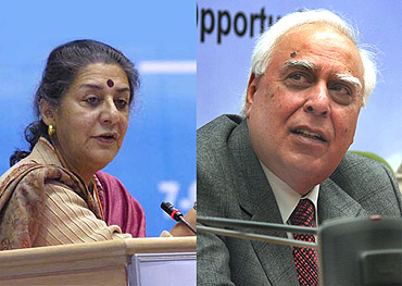 Ambika Soni and Kapil Sibal