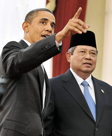 US President Barack Obama gestures as his Indonesian counterpart Susilo Bambang Yudhoyono looks on after a joint news conference in Jakarta in November, 2010