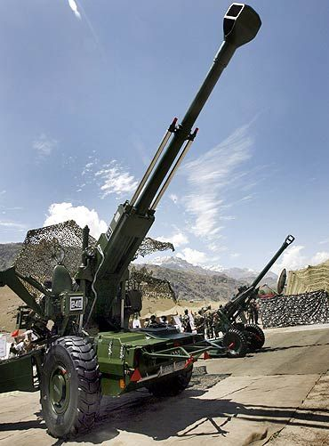 Indian Army goes shopping for 400 howitzers