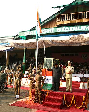 JK Finance Minister Abdul Rahim Rather hoists the tricolour at Bakashi stadium