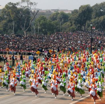 Folk dancers passing through Rajpath