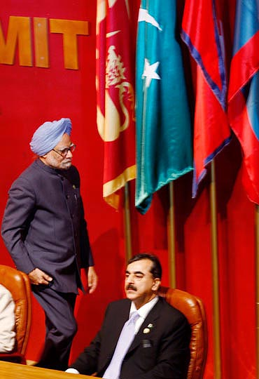... Dr Manmohan Singh with his Pakistani counterpart Yousuf Raza Gilani